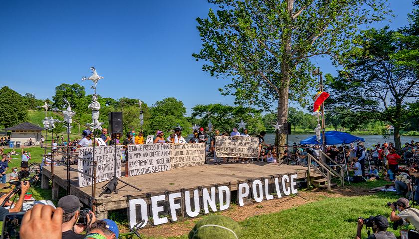 Minneapolis City Council Pledges to Dismantle Police Department